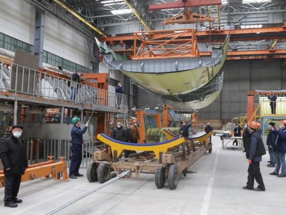 Минобороны показало строительство нового самолета Ан-178 для Воздушных сил
