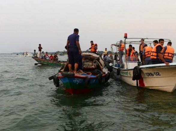 В Бангладеш затонул паром с пассажирами: есть погибшие