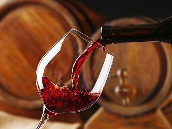 Стало известно, сколько Украина импортировала вина с начала года
