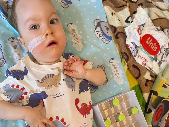В Донецкой области малыш с редкой болезнью получил укол за 2,3 млн долларов