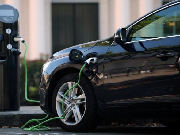 В Украине в марте вырос спрос на электромобили, сменился лидер