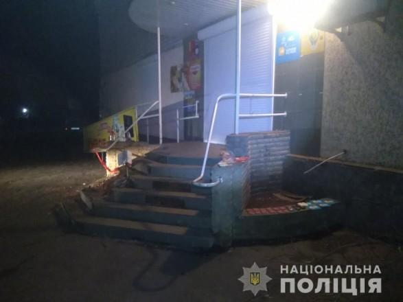 Вынесли алкоголь и карточки для пополнения счета: в Харьковской области трое подростков ограбили магазин