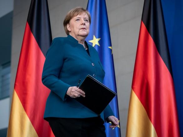 Эскалация на Востоке: Меркель в разговоре с Путиным призвала не усиливать войска у границы Украины