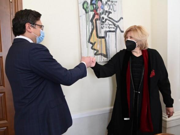 Кулеба обсудил с комиссаром Совета Европы защиту прав человека в ОРДЛО и в Крыму