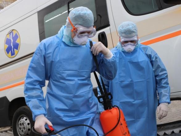 В Киеве становиться больше больных COVID-19: суточный прирост - на грани двух тысяч, умерли 48 человек