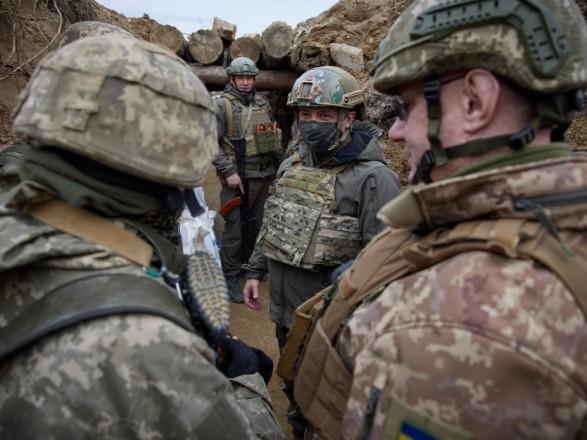 Обострение на Донбассе: Зеленский заявил, что с начала года погибли 26 украинских воинов
