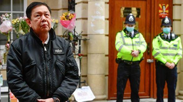 Ночевал в машине: посла Мьянмы, который критиковал хунту, выгнали из посольства в Лондоне