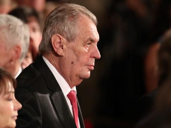 Президент Чехии Земан из-за болезни ног вынужден будет передвигаться на коляске