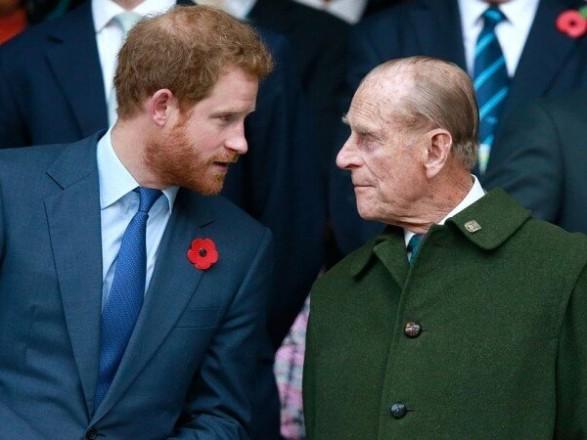 Принц Гарри срочно вернулся в Британию на похороны своего деда принца Филиппа