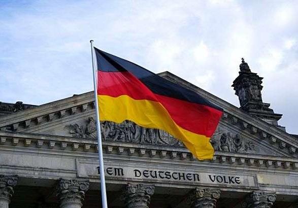 Занять пост канцлера Германии готовы двое политиков-консерваторов