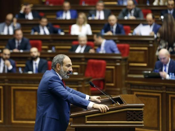 """Пашинян заявил, что основой безопасности Армении является """"союз с Москвой"""" и выступил за расширение базы РФ"""