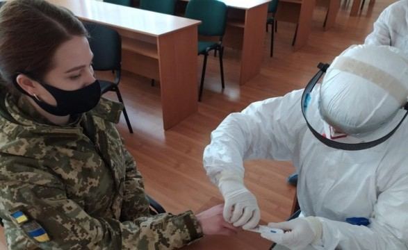 В ВСУ за сутки на COVID-19 заболело почти 100 человек