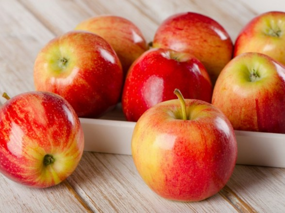 Цены на яблоки за год выросли почти на 18%