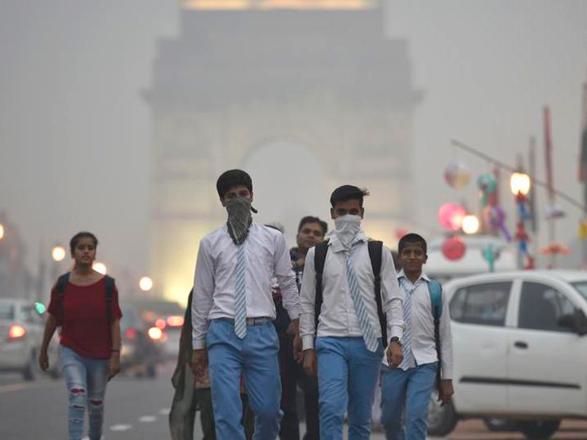 Нью-Дели идет на недельный локдаун из-за критической ситуации с COVID-19