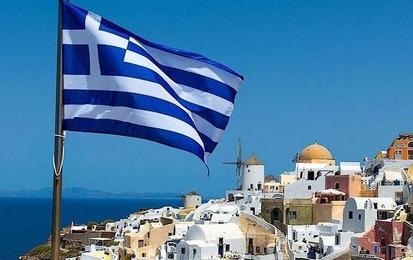 Греция отменяет карантин для посетителей из ряда стран