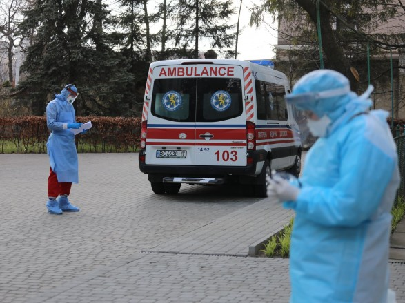 В Украине уже 1,961 млн случаев COVID-19, за сутки - 8 940