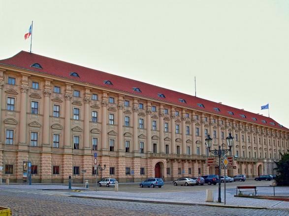 Чехия просит партнеров по ЕС и НАТО выслать российских дипломатов в знак солидарности
