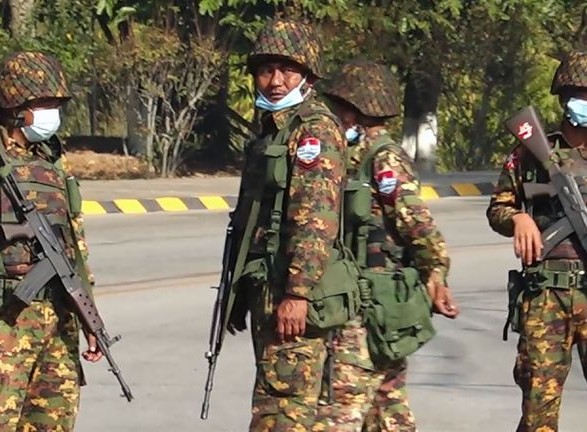 В ЕС ввели санкции против военных Мьянмы