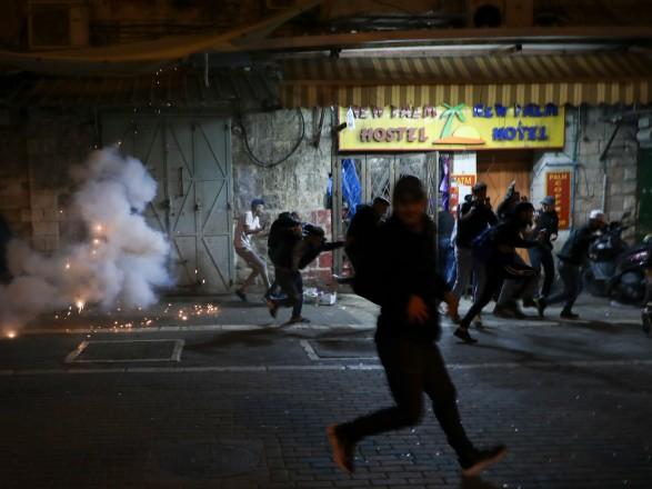 В Иерусалиме произошли массовые столкновения между евреями и палестинцами, десятки человек пострадали