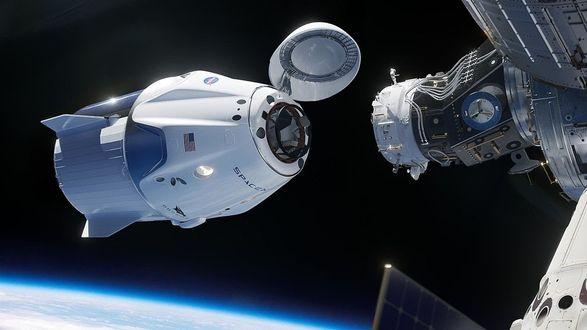 Корабль Crew Dragon успешно пристыковался к МКС