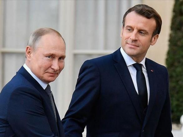 """Макрон позвонил Путину. Со стороны президента РФ не обошлось без обвинений Киева в """"провокациях"""""""