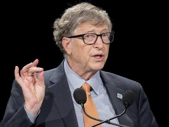 """COVID-19: Билл Гейтс объяснил, почему мир """"полностью вернется в норму"""" к концу 2022 года"""