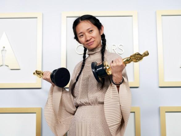 Китайским СМИ запретили писать о победе на Оскаре режиссера Хлои Чжао