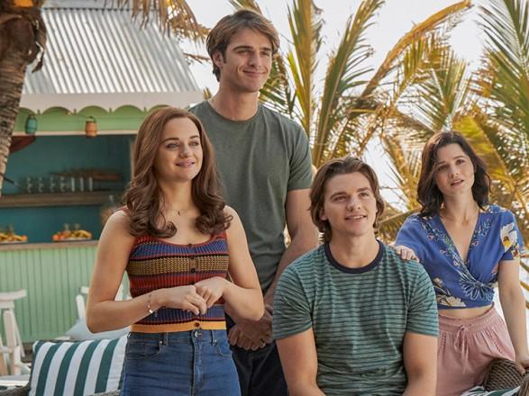 Netflix анонсировал выход 13 летних премьер