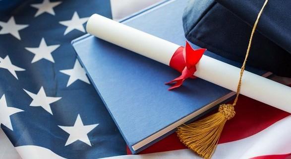 В США разрешат некоторым иностранным студентам приехать на обучение несмотря на карантин