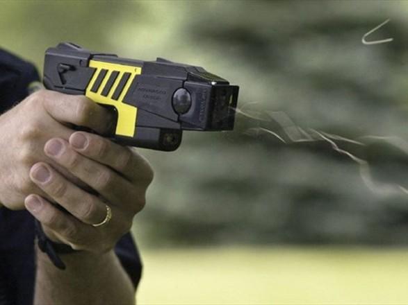 Нардепы провалили голосование за законопроект об использовании полицией шокеров