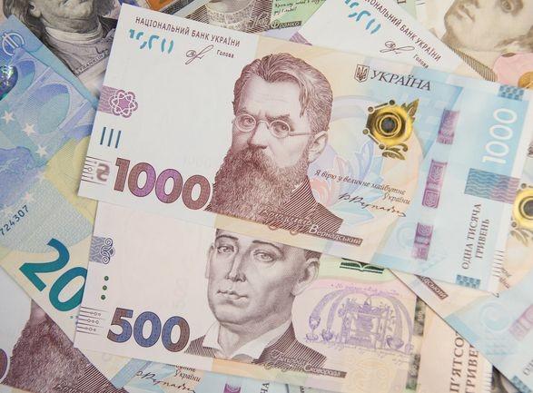 """Украинцам вернули выплату """"больничных"""" в случае болезни или травмы: подписан закон"""
