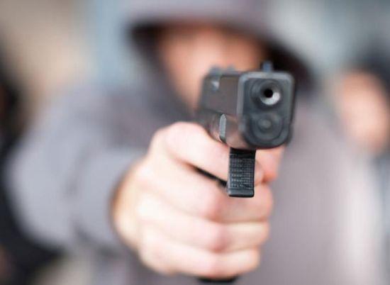 В Харькове в очереди в буфет мужчина устроил стрельбу, есть раненые