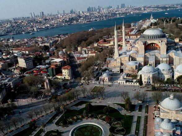 """В Стамбуле задержали одного из главарей """"Исламского государства"""" - СМИ"""