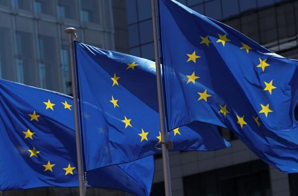 ЕС заявил послу РФ о праве ответить на российские санкции против европейских чиновников