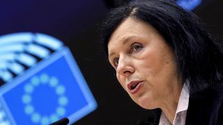 Вице-президентка Еврокомиссии отреагировала на санкции со стороны России