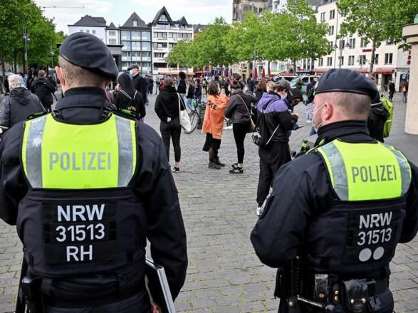 В Германии задержали мужчину, который рассылал письма с правоэкстремистскими угрозами