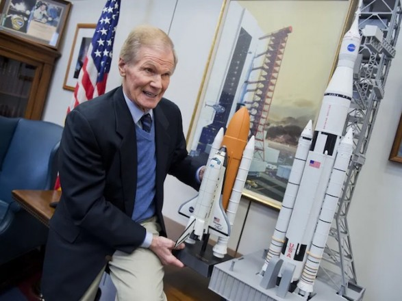 Астронавт и законодатель: в США привели к присяге нового главу NASA