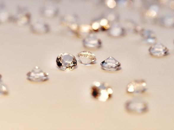 Ювелирный бренд Pandora переходит на искусственные бриллианты