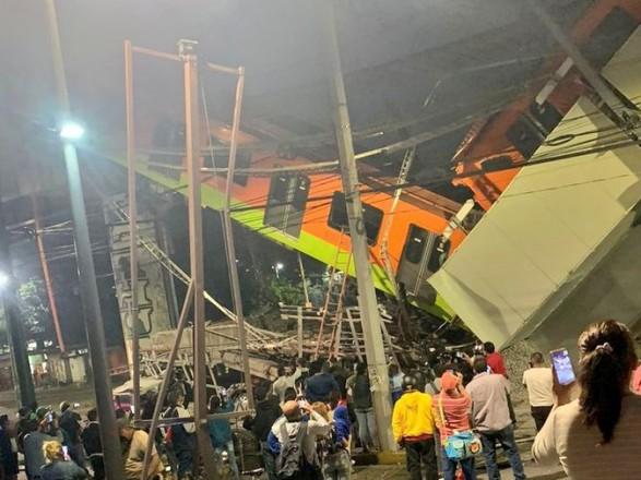 Число жертв обрушения моста метро в Мехико увеличилось до 23