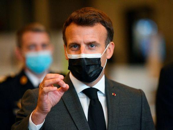 Президент Франции призвал США и Великобританию расширить экспорт вакцин