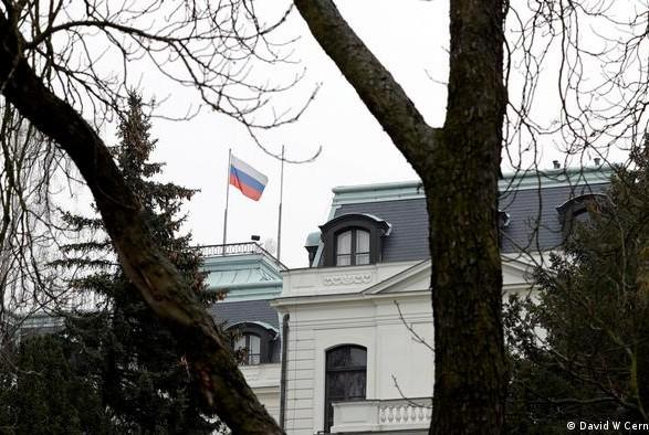 ЕС пока не планирует высылать российских дипломатов