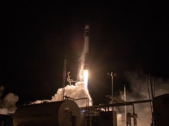 """Ракета Electron не смогла выйти на орбиту из-за """"аномалии"""": потеряно два спутника"""