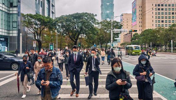Тайвань усиливает ограничения после всплеска случаев COVID-19