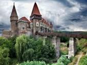 Румунія відсьогодні скасувала масковий режим та послабила карантин