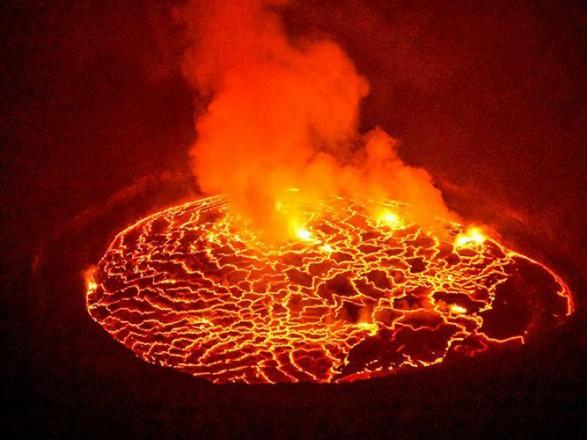 В Конго происходит вивереження одного из самых активных вулканов мира