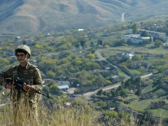 Оппозиция Армении выступила за размещение российских войск в области у границы с Азербайджаном