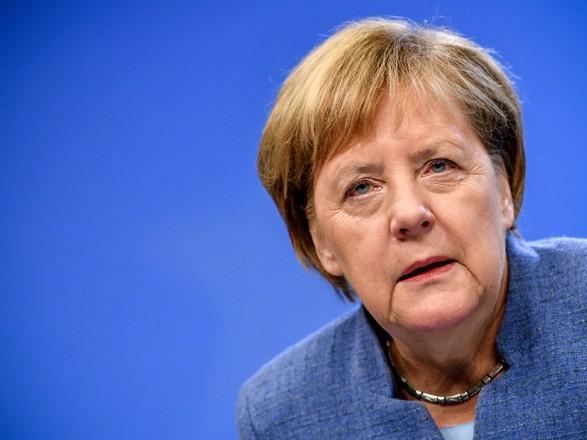 """Меркель призвала учитывать интересы Украины в переговорах США и Германии по """"Северному потоку-2"""""""