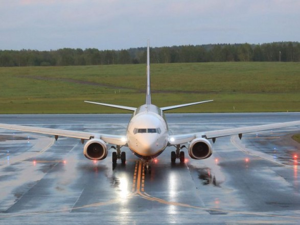 СМИ: диспетчеры в Минске сообщили экипажу самолета Ryanair о его минировании еще до получения письма