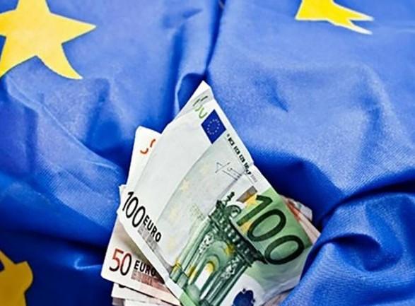 """ЕС представил пакет экономической поддержки Беларуси на 3 млрд евро: разблокировать их можно после """"демократического перехода"""" власти"""