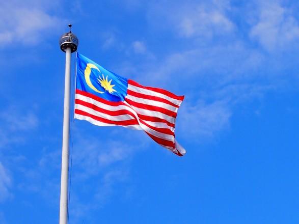 Малайзия вводит полный локдаун из-за рекордных случаев COVID-19